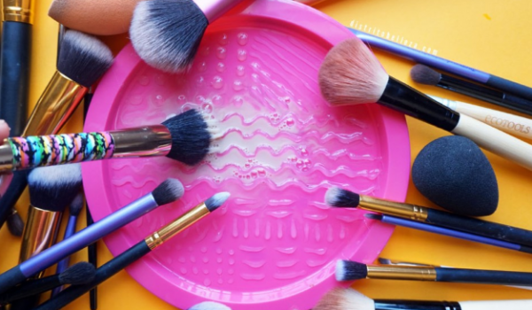 beauty hacks plate cleaner distrito belle