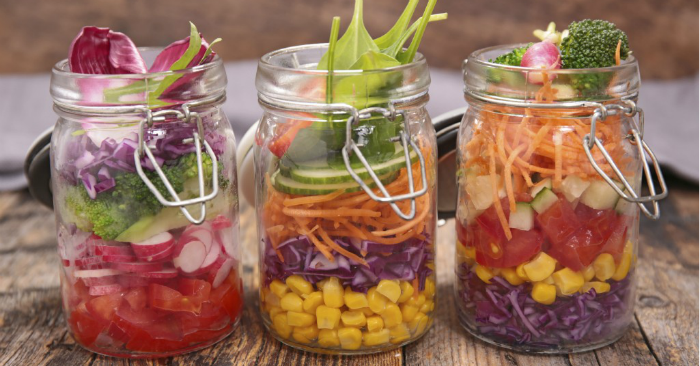 5 Salad in a Jar Recipes to Simplify Lunchtime