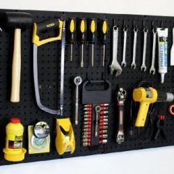 20 Clever Solutions to a Messy Garage
