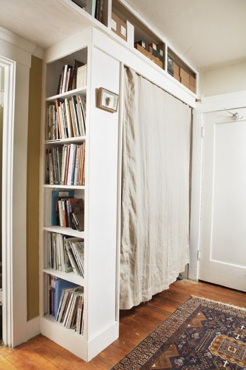 18 ways to store clothes not in a pile - Clothes storage for small spaces model ...