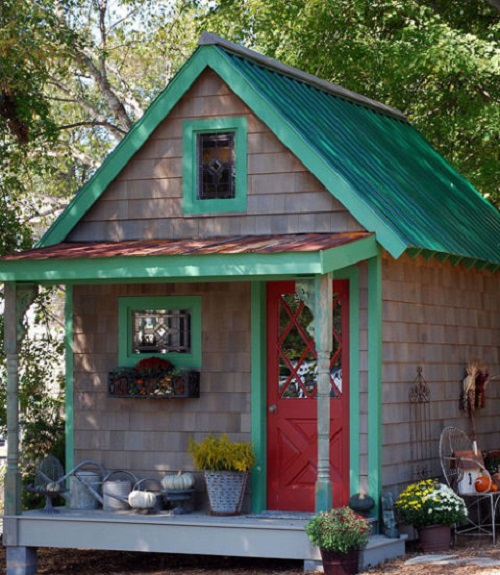 13 shed transformations that 39 ll make your neighbors jealous Better homes and gardens house painting tool
