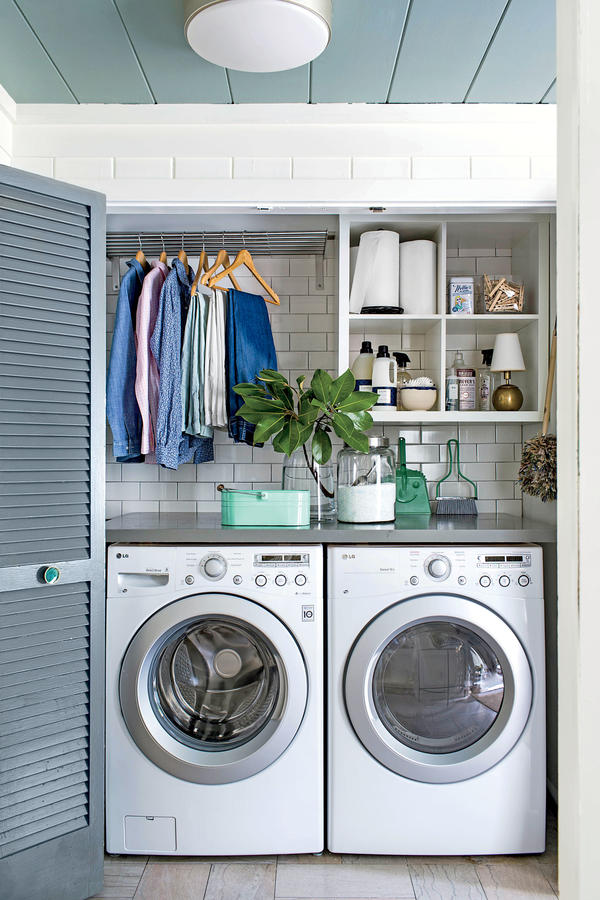 of storage and clothes drying space even in a small laundry closet