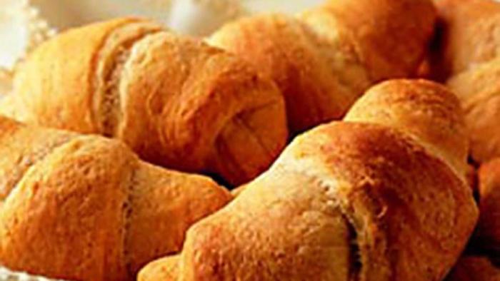 Pillsbury crescent rolls closeup