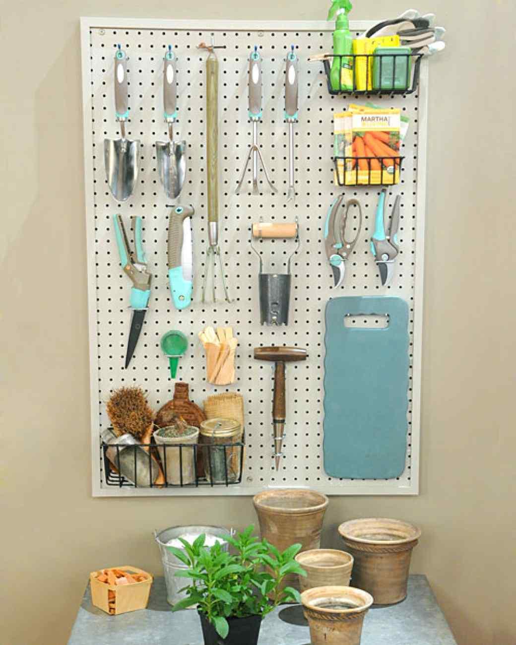 organize garden tools 15