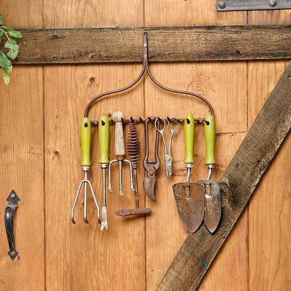 organize garden tools 6