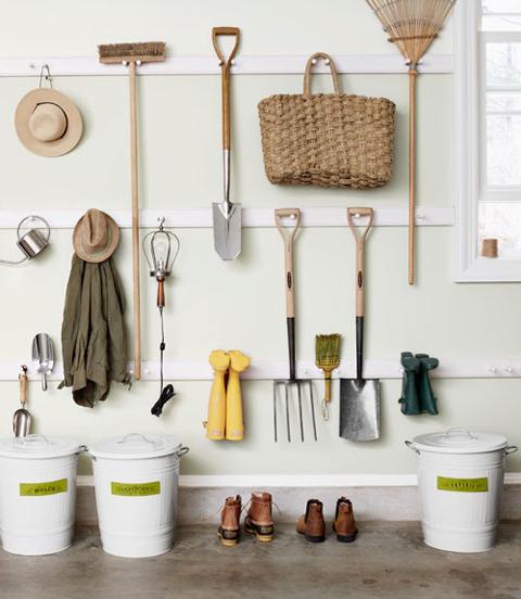 organize garden tools 7