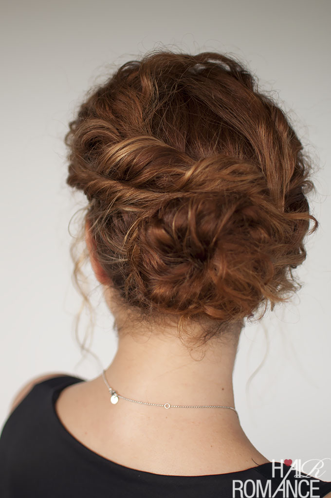 how to put your curly hair in a messy bun