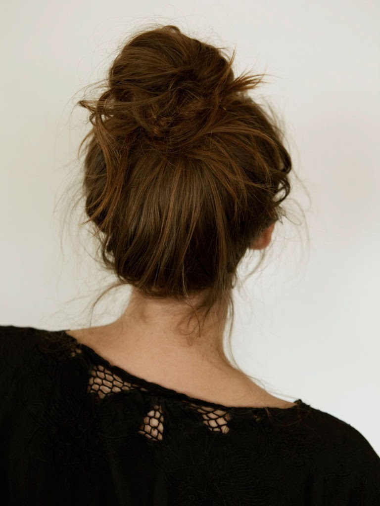 Superb 15 Easy Bun Hairstyles To Rock This Summer Hairstyles For Women Draintrainus