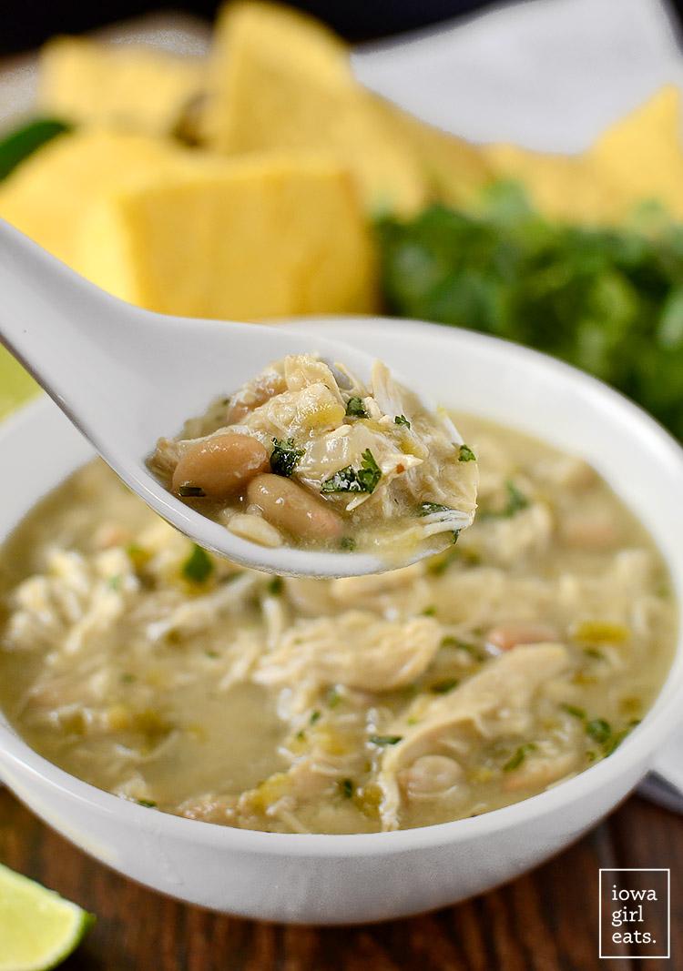 Crock-Pot-White-Chicken-Chili-iowagirleats-03