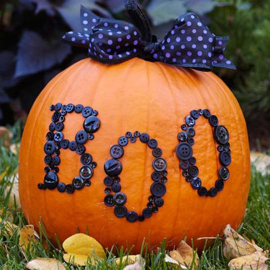 boo button pumpkin