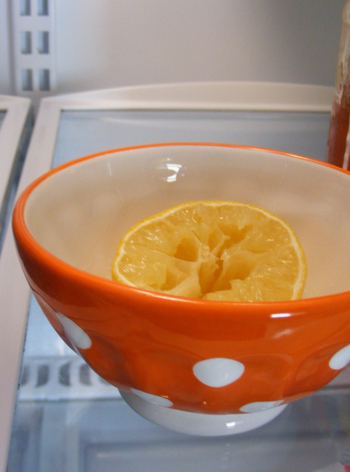lemon to freshen fridge