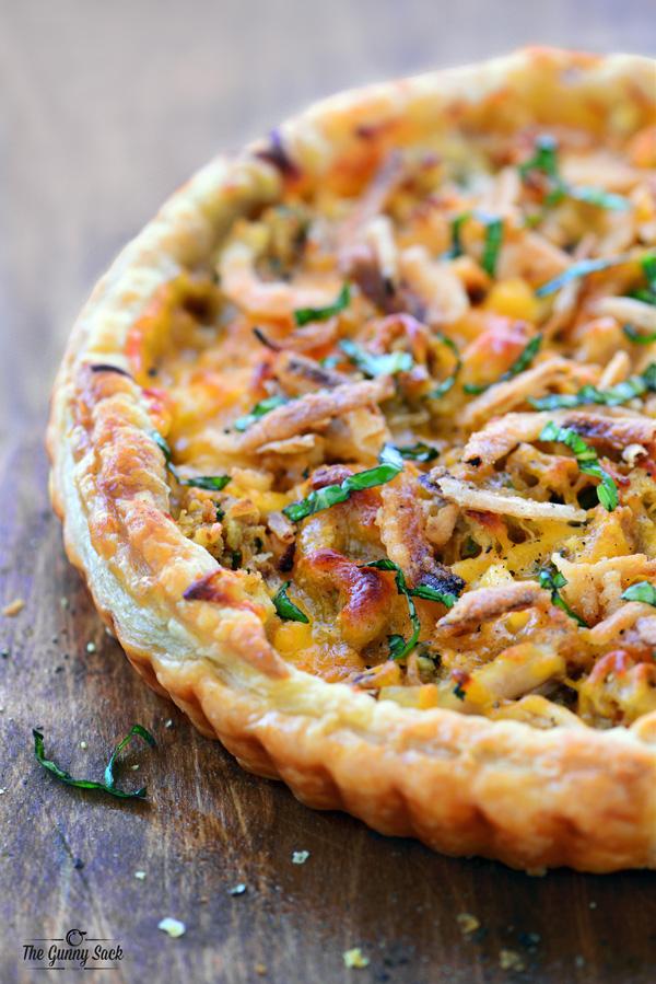 thanksgiving pizza closeup