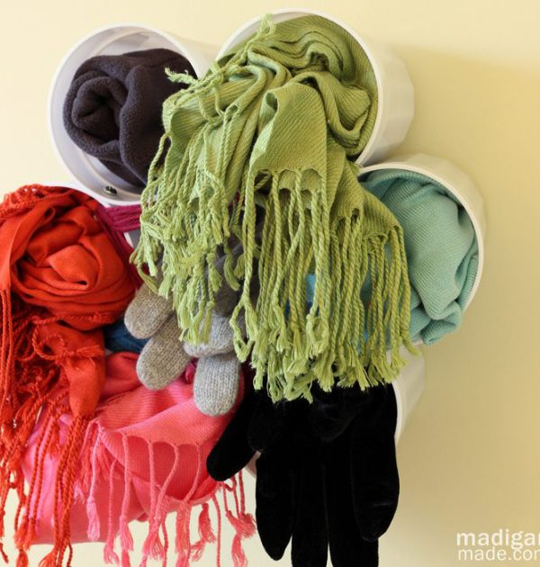 cheap-scarf-storage-from-plastic-cups
