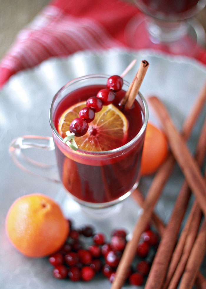cranberry-orange-mulled-wine