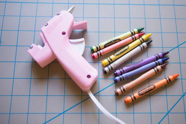 crayons-to-create-wax-seals