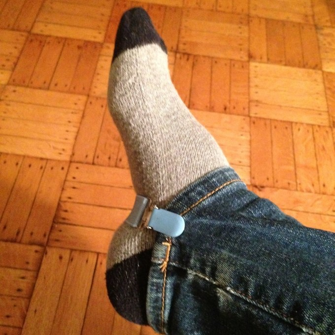 This great boot tip and trick uses elastic mitten clips to keep jeans from bunching.