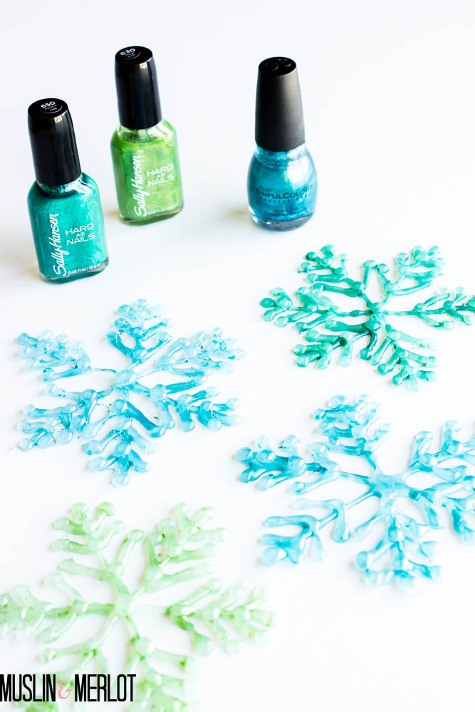 glue-gun-snowflakes