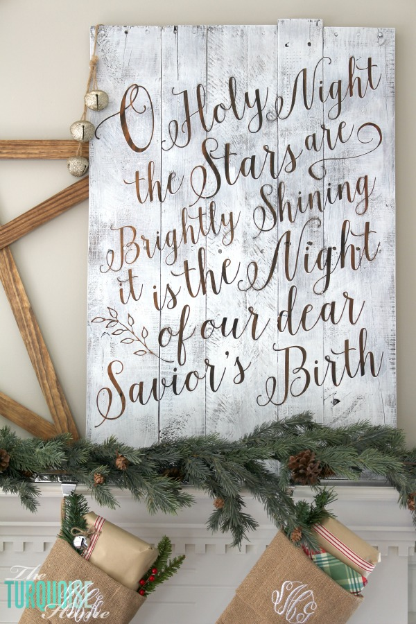 17 pallet projects to deck your halls for christmas for O holy night decorations
