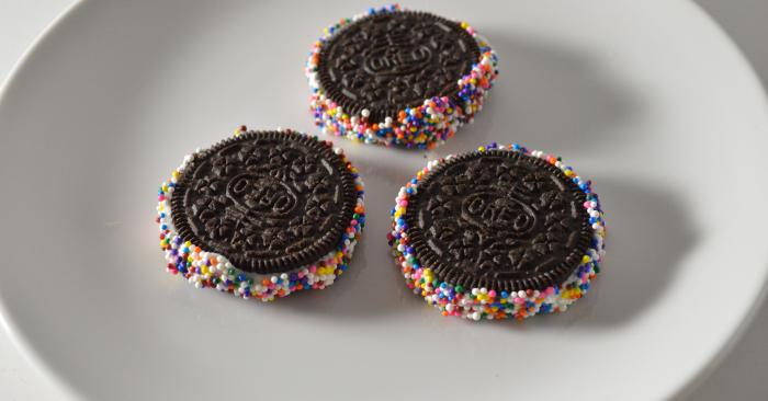 5 Fun Ways to Eat an Oreo Cookie
