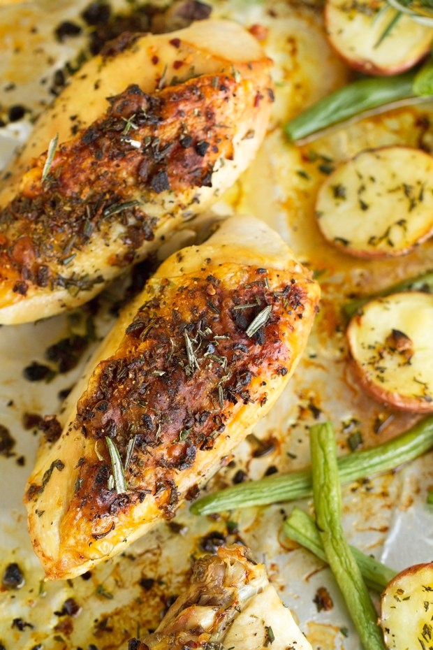 rosemary-chicken-with-potatoes-and-green-beans