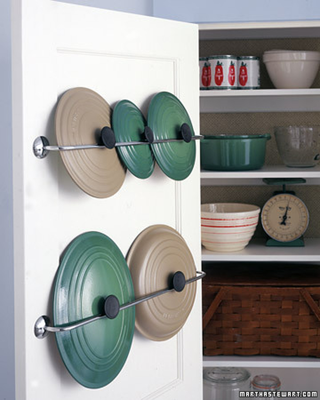 towel bars to store lids