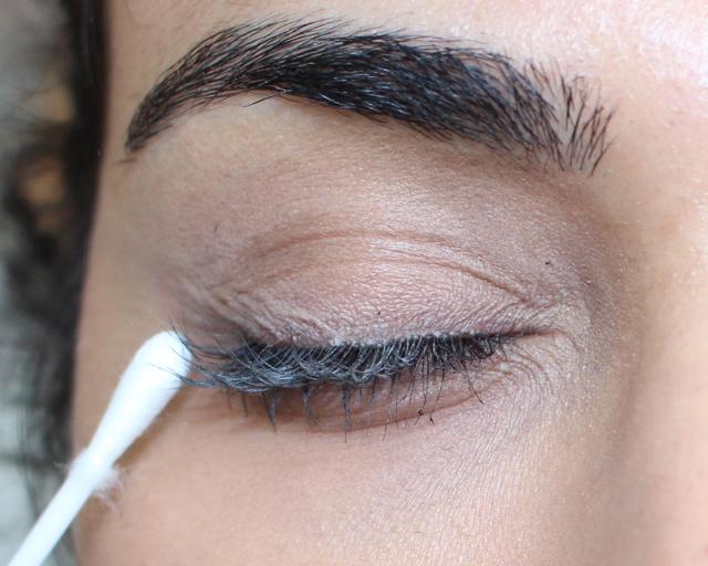 baby-powder-on-lashes