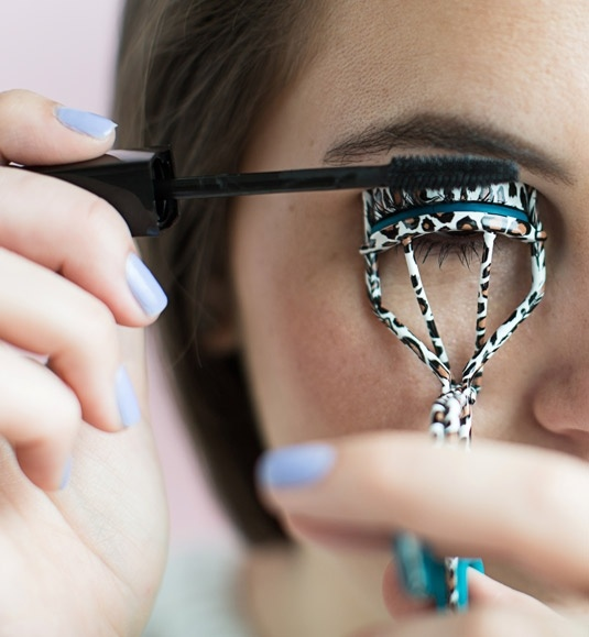 15 Mascara Tips and Tricks to Make Your Lashes Look Amazing