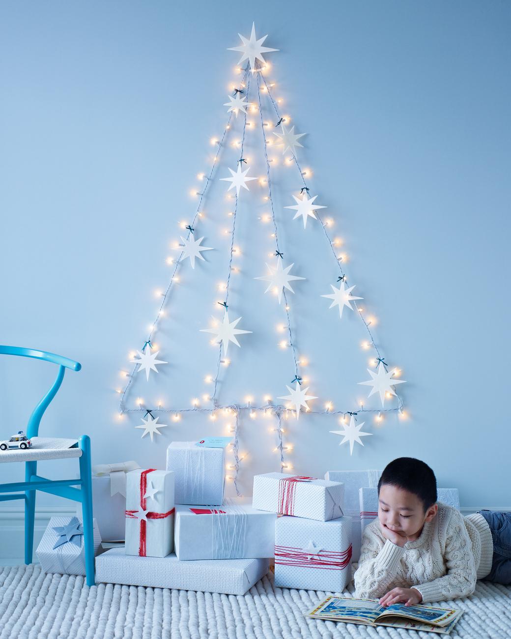 string-light-christmas-tree