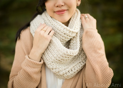 Crochet Cowl Pattern All About Ami : 15 Cute Things to Crochet This Winter