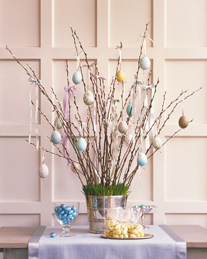 Marble is definitely having a moment in home décor, so why not apply it to your Easter eggs? Plus the deep indigo makes each egg pattern reminiscent of shibori (a Japanese tie-dye technique), so it's even more on-trend. When you're dyeing the eggs, each design comes out differently, which makes it perfect if you mess up the first couple of times.
