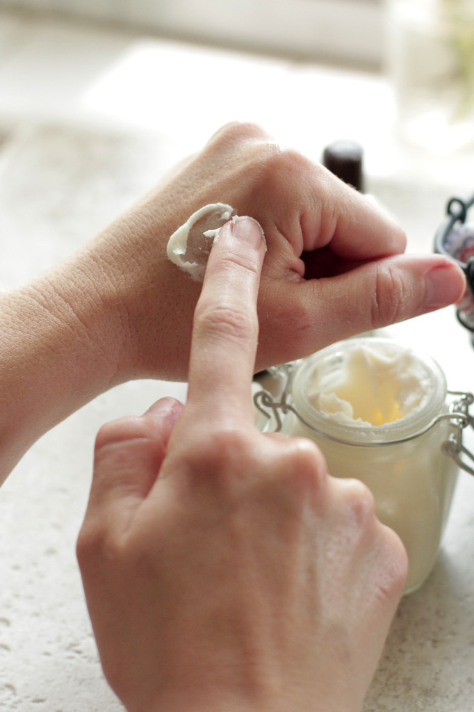 homemade-ultra-moisturizing-lotion