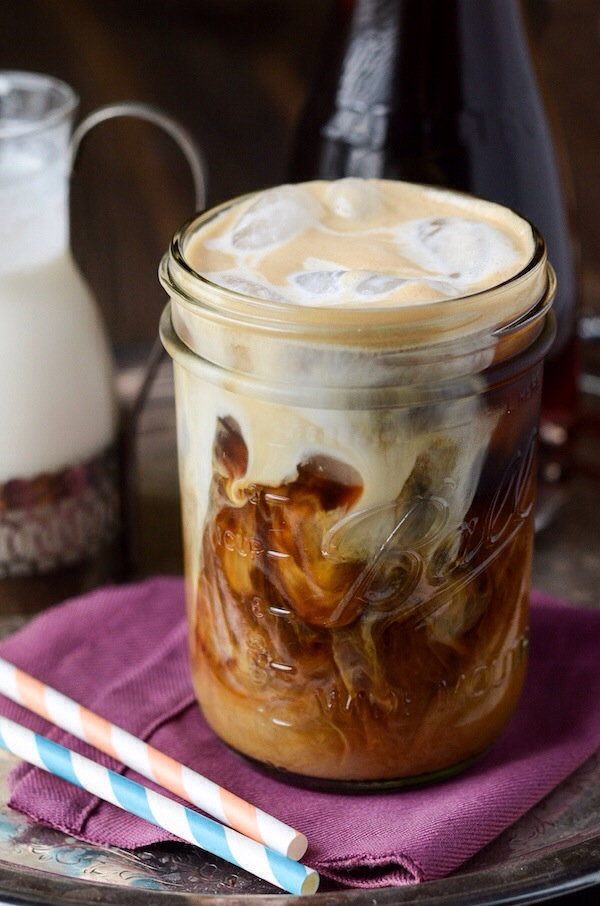 vanilla-cinnamon-iced-coffee