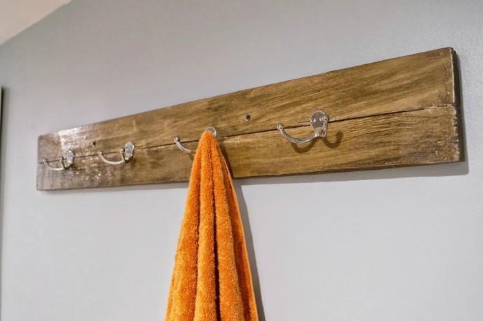 wood-towel-bar
