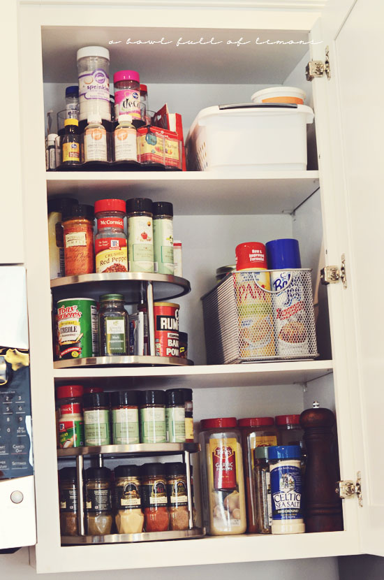 15 genius ways to organize your spices the most viral collection of feel good stories videos - Spice rack for lazy susan cabinet ...