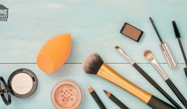 6 Ways to Remove Makeup Stains