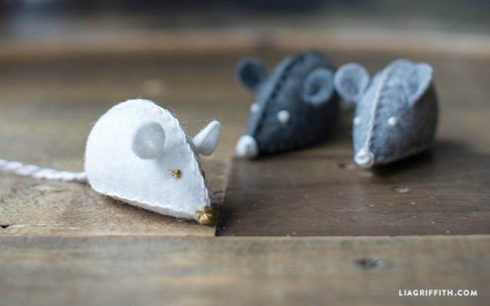 DIY stuffed mouse-shaped toys