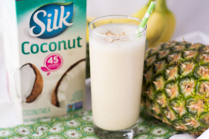 Easy and Delicious Pineapple Banana Oatmeal Smoothie