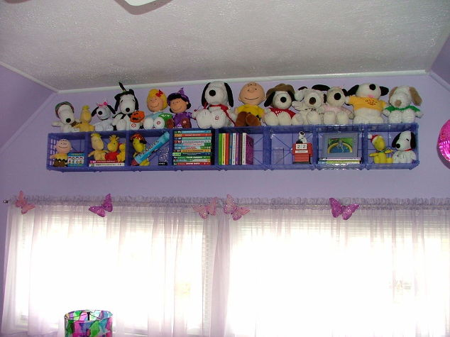 baskets to organize the kids' room