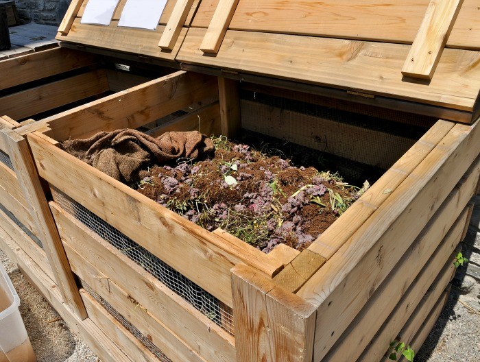Fall Gardening Tips - Clean out compost bin
