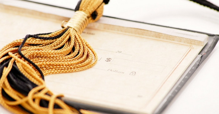 Top 12 Graduation Gifts for Your College Graduate