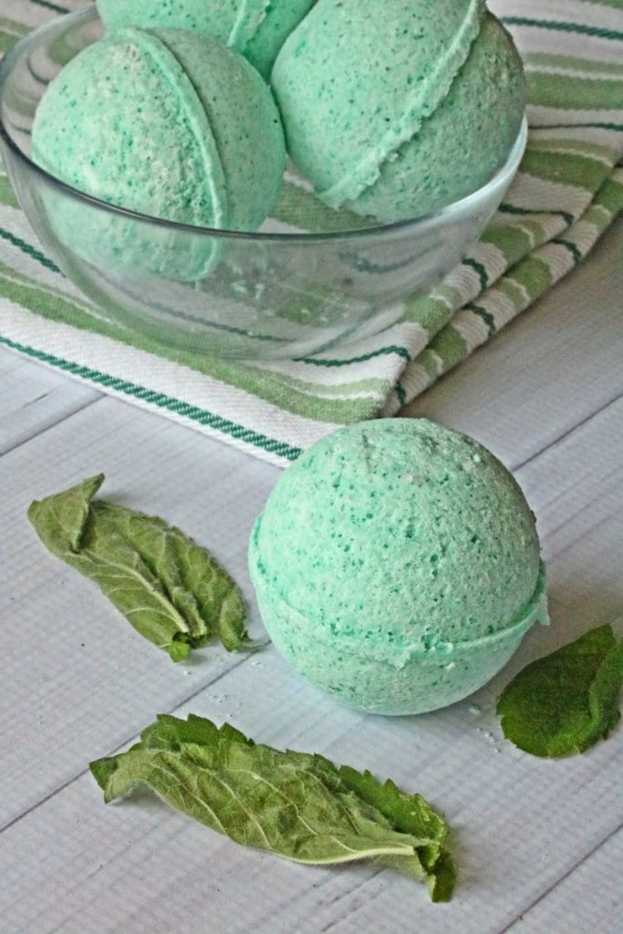 Stress Relief Gift - DIY Headache Bath Bombs - Crayons and Cravings