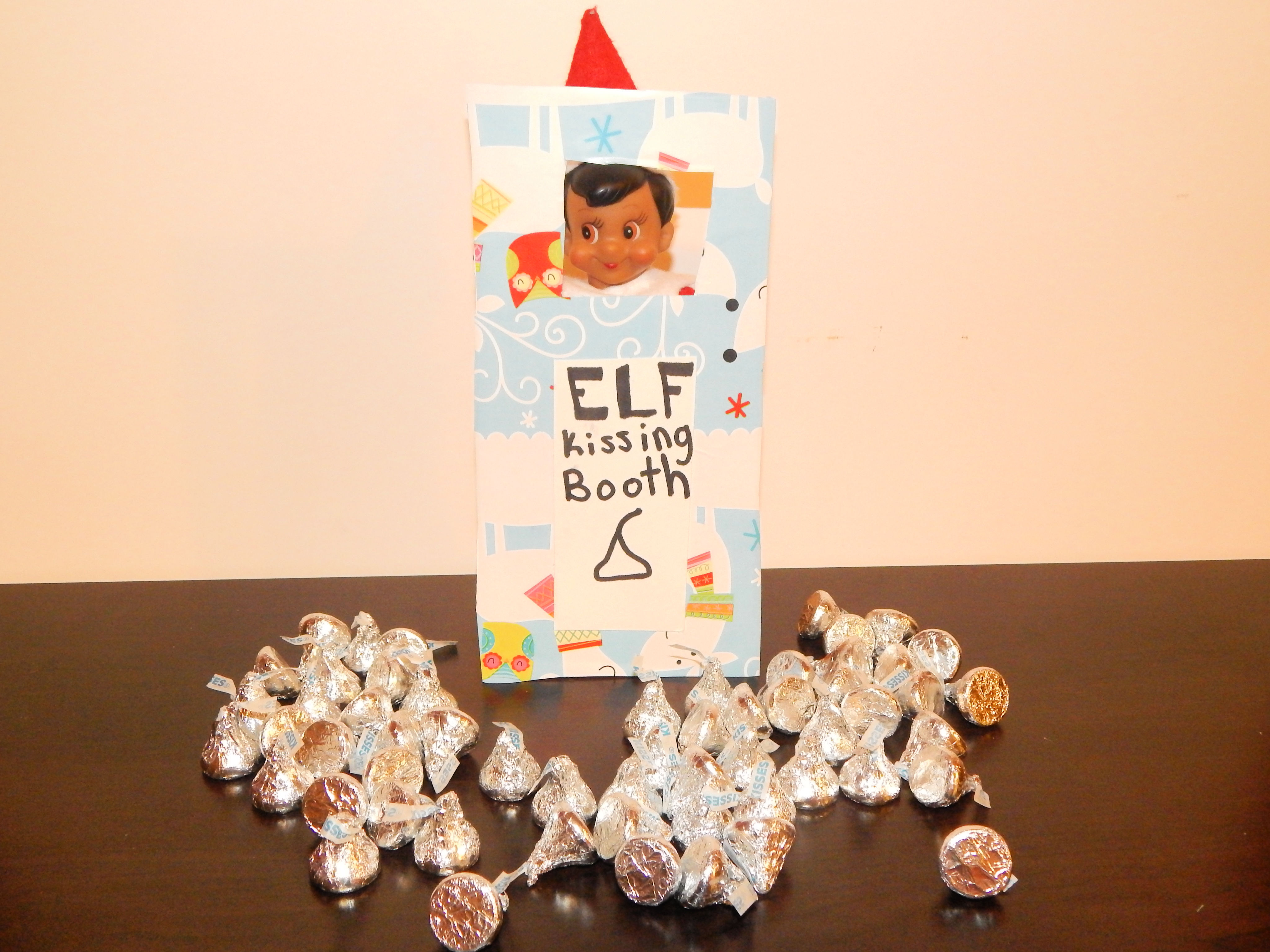 Create An Elf On The Shelf Kissing Booth