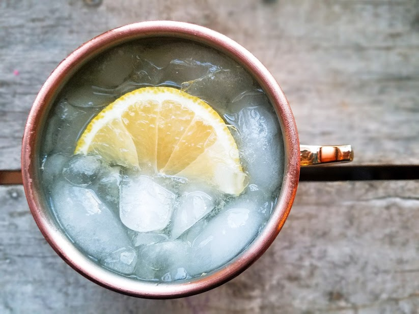 linoncello Moscow mule in cup with ice