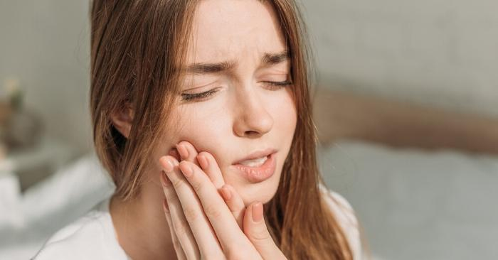 12 Simple Home Remedies For Toothache That Actually Work