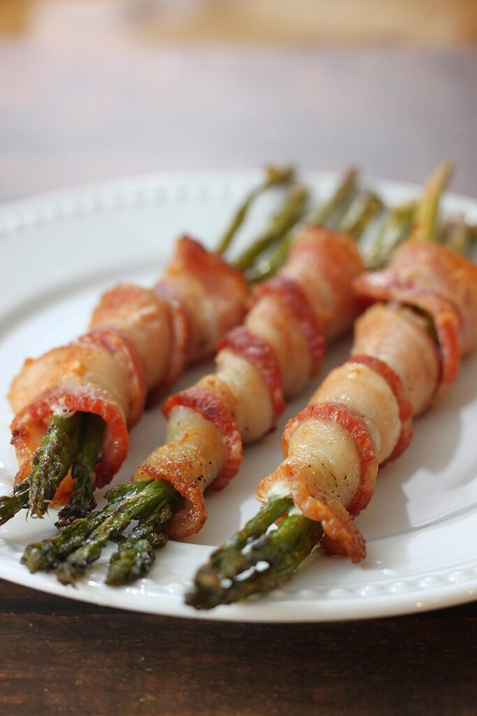 3 bacon-wrapped asparagus stalks