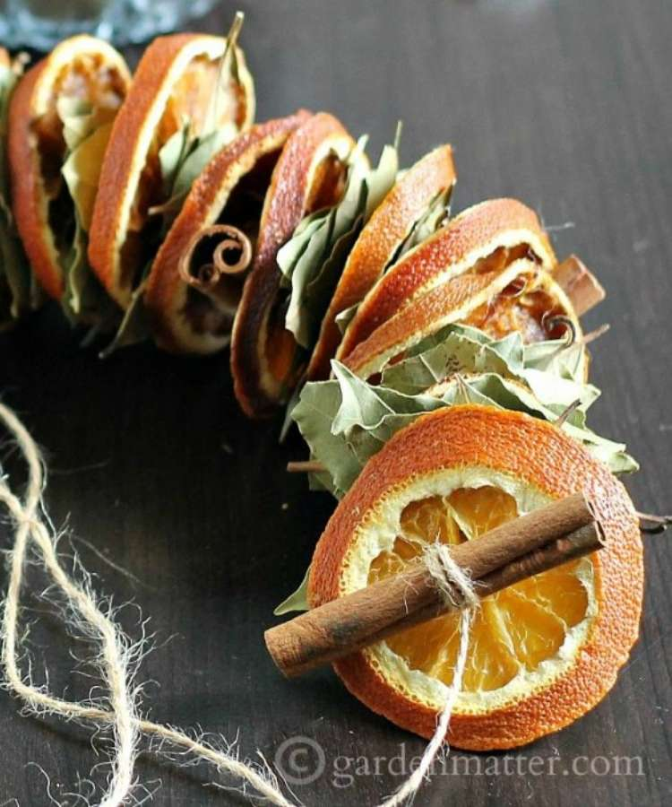 diy dried orange garland for your home