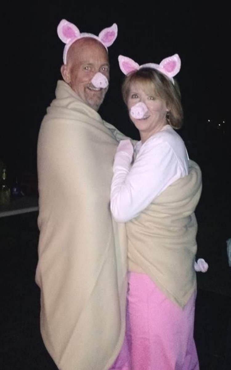 Easy couples costume - pigs in a blanket