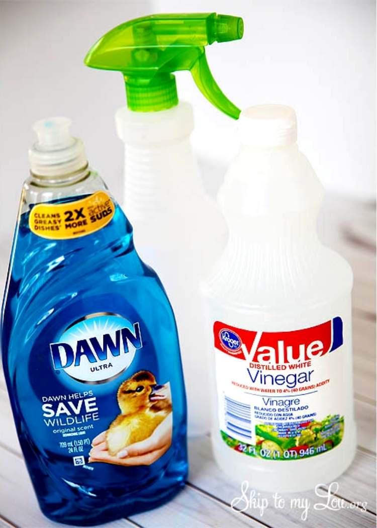 How to clean bathtub with homemande Cleaning supplies - spray bottle, vinegar, dawn dish detergent