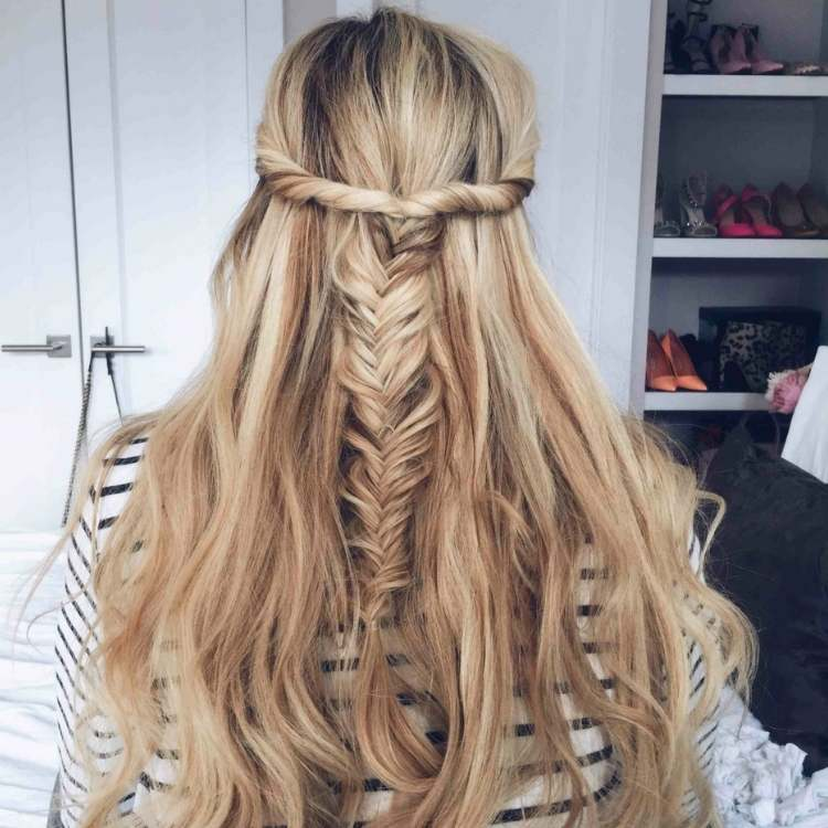 Simple Half-up hairstyle with fish tail braid