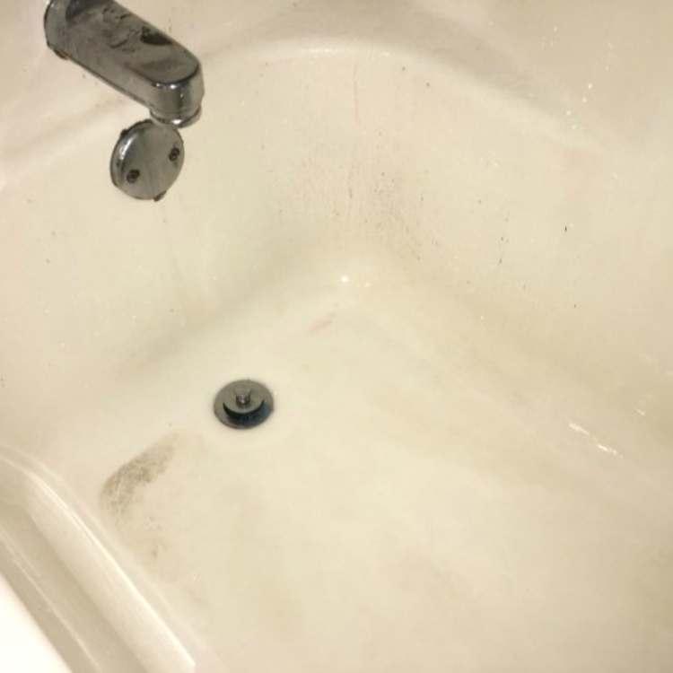 Dirty bathtub